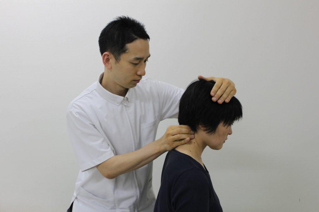 頚椎の関節調整